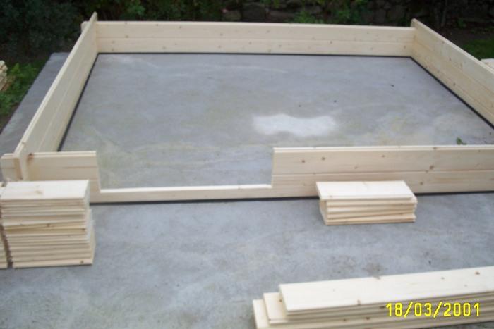 abri de jardin en bois montage ch let maison et cabane. Black Bedroom Furniture Sets. Home Design Ideas