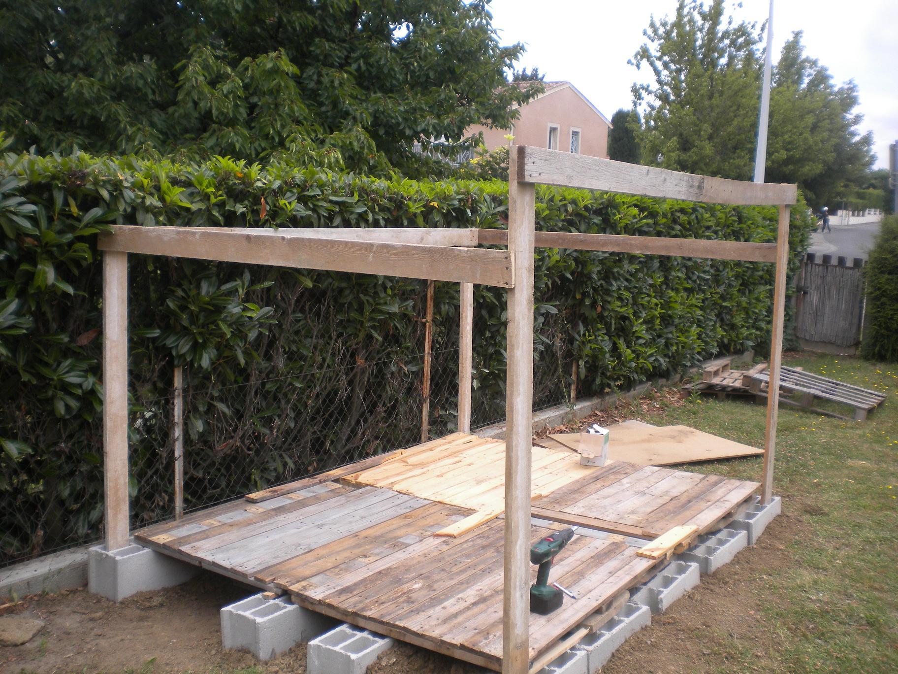Construction cabane de jardin en palette - Châlet, maison et cabane