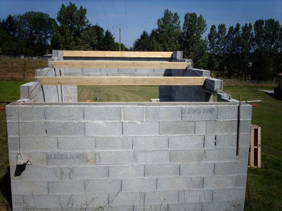 Construire un abri de jardin en parpaing