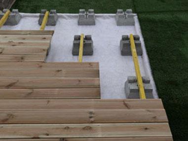 Abri jardin sur plot beton