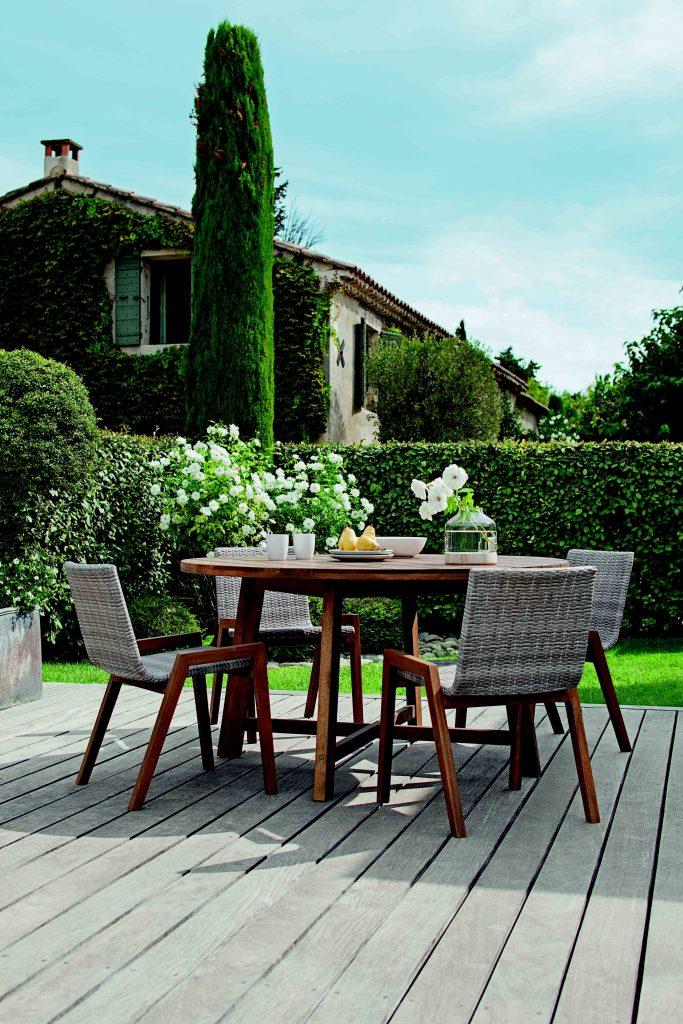 table salon de jardin diy ch let maison et cabane. Black Bedroom Furniture Sets. Home Design Ideas