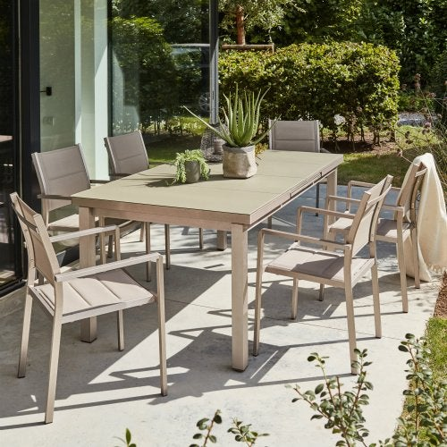 Salon de jardin table et chaises resine